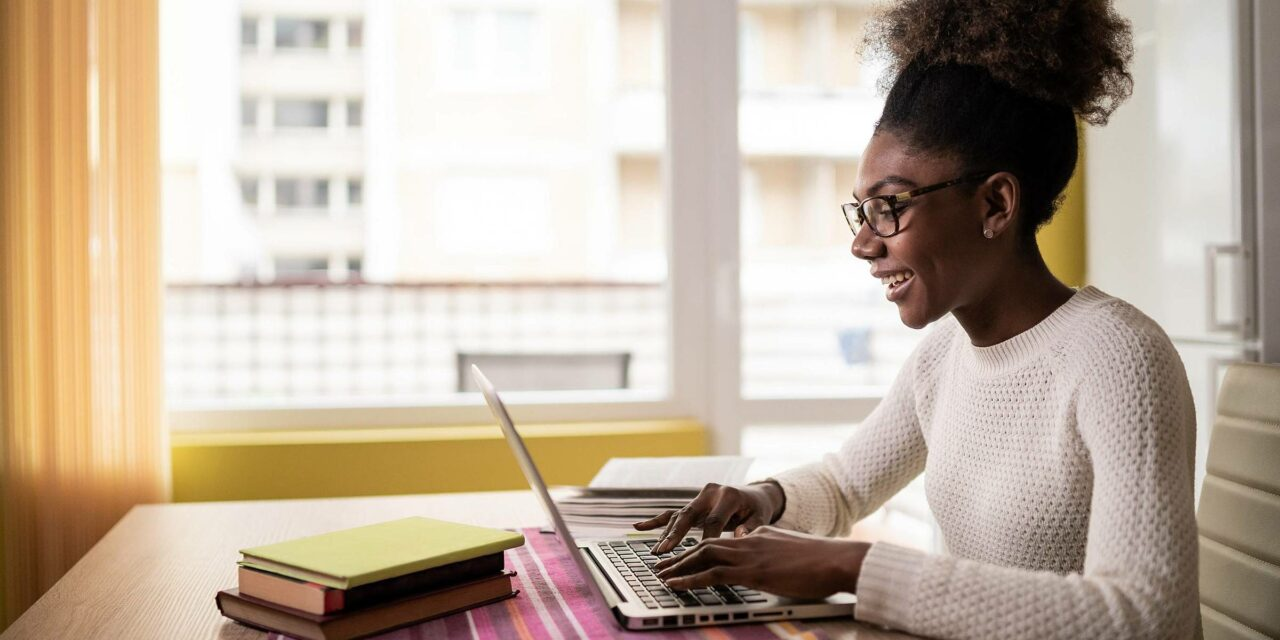 Saiba como estudar na internet e garantir um excelente aproveitamento!